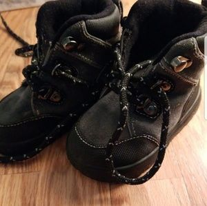 Other - Boys boots size 5t